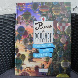Boek: Pierre de doolhof detective- De vreemde zaak van het luchtkasteel